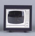 Fernseher mit schwarzen Rahmen und Dia